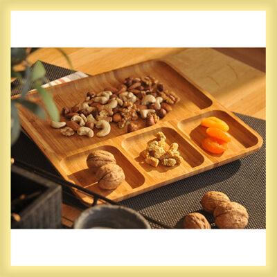 قیمت و خرید پستی ظرف سرو چوبی بامبو مستطیلی مدل 4 خانه - اردوخوری چوبی 4 قسمتی